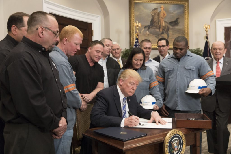 trump_signs_tariffs
